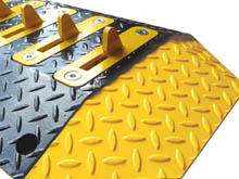 Bright yellow end caps are an important safety feature and they give the Dragons Teeth a smart and professional finish.