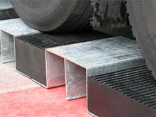 HR7 extra deep steel bridge with two slots 165mm deep. HR7 protector ramps can be assembled one or more bridges.
