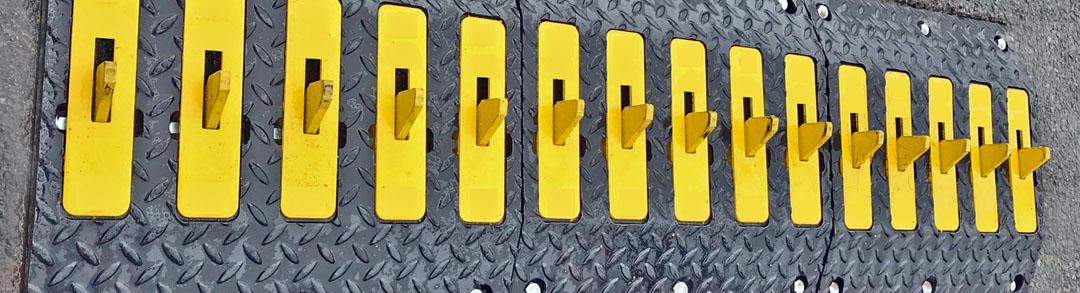 Dragons Teeth One-Way traffic control